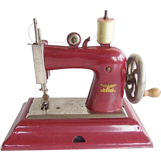 Vintage 1940's Casige Gesch Model 1470 Red Toy Sewing Machine Germany British Zone