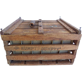 Antique Primitive Humpty Dumpty 6 Dozen Egg Crate