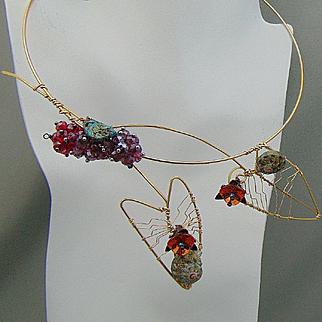 Minimal Necklace w Swarovski and Snail Shells