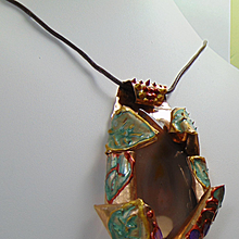 Sculpted Painted Brass w Agate Slice Pendant.