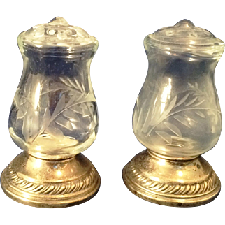 Pair of unusual Quaker Sterling and cut glass salt & pepper shakers