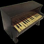 1900's Schoenhut Piano 14 Keys