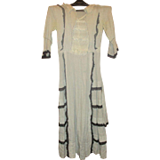Woman's Vintage Dotted Swiss Dress Early 1900's