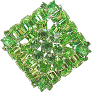 Grass Green Rhinestone Weiss Brooch