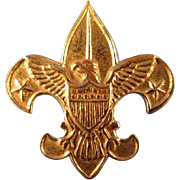 1911 Gold Tone Metal Boy Scout Pin