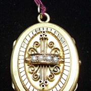 Fancy Victorian Yellow Gold-Filled Oval Locket