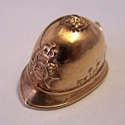 10K Gold Vintage Travel Charm ~ English Bobby Hat ~ Bermuda