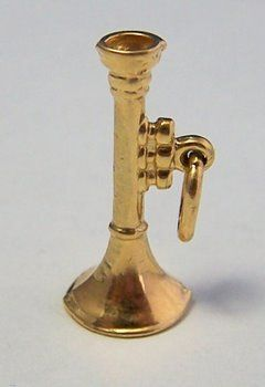 14K Gold Vintage Charm ~ Horned Musical Intrument ~ Trumpet
