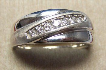 Gents 14K WG & 7 Stone Diamond Ring