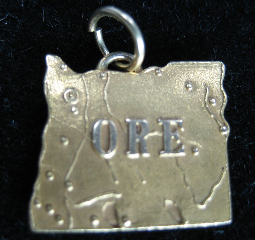 Vintage 14K State of Oregon Charm