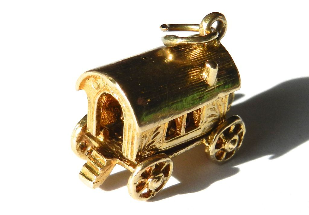 Vintage 9K Gypsy Wagon Charm-Moveable