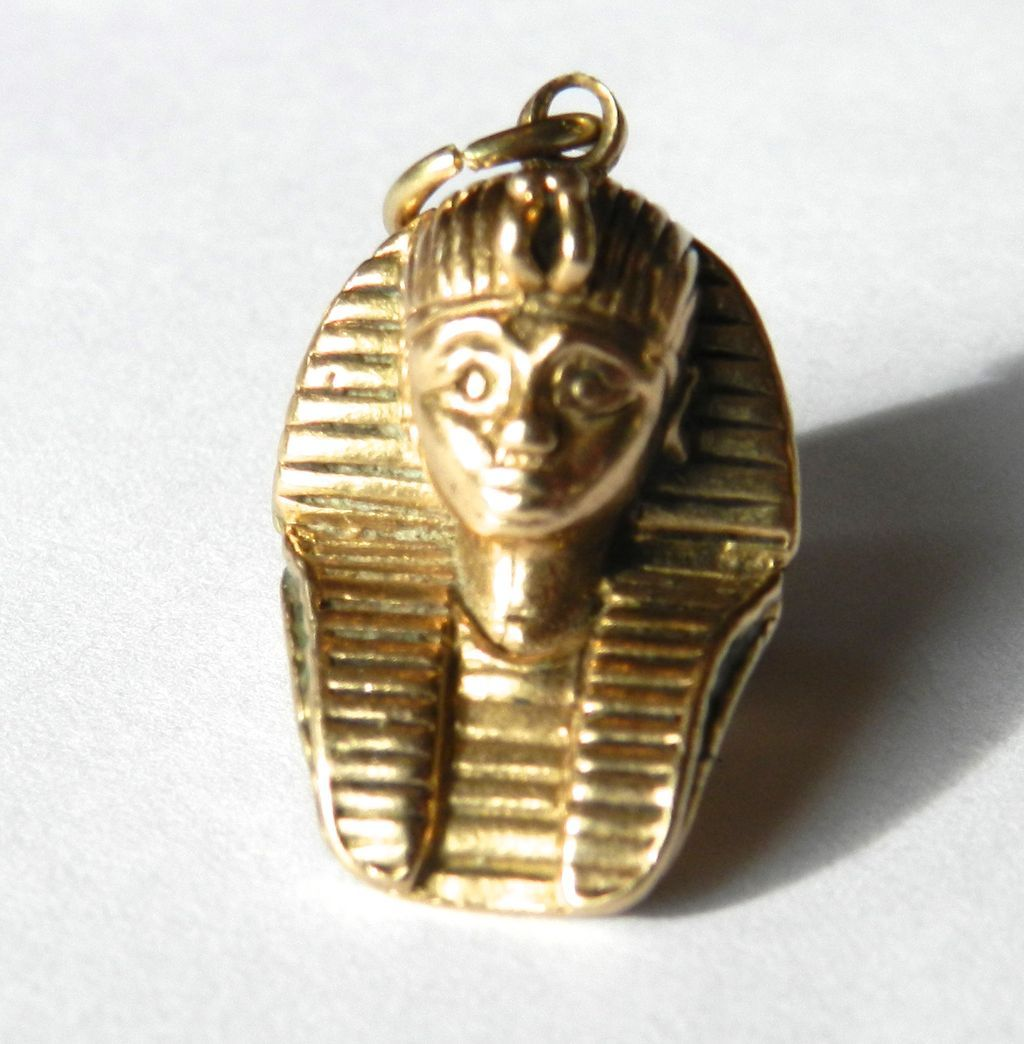 Vintage 9K Egyptian Pharaoh Charm