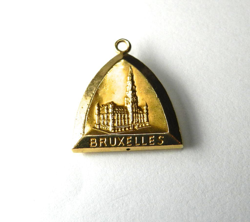 Vintage 18K Belgium Travel Charm