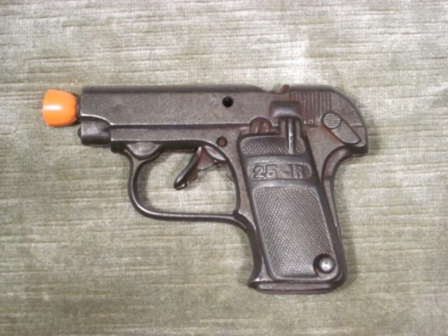 "Vintage Heavy Cast Metal Toy Cap Gun ""25 JR"""