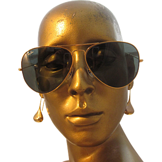 Vintage B&L Ray Ban Authentic Ray Ban Aviator Unisex Sunglasses by Bausch and Lomb. 62mm L48[]26- MADE IN THE USA
