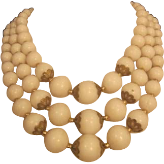 Vintage White Triple Strand Graduating round Bead Necklace