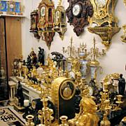 More than 150 TOP quality Antique Clocks.
