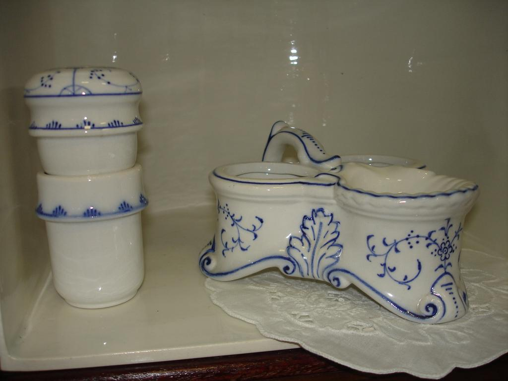 Antique Villeroy and Boch Blue and White Dresden Porcelain Vanity Set: