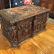 Beautiful 17th Century Oak Trunk from Tours, France