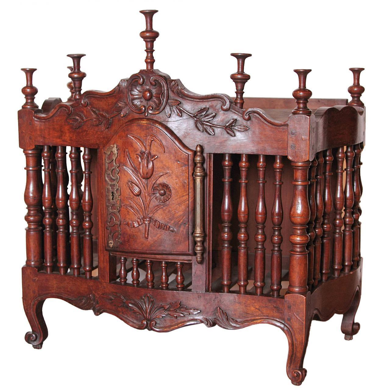 18th Century Walnut Wood Panetiere from France