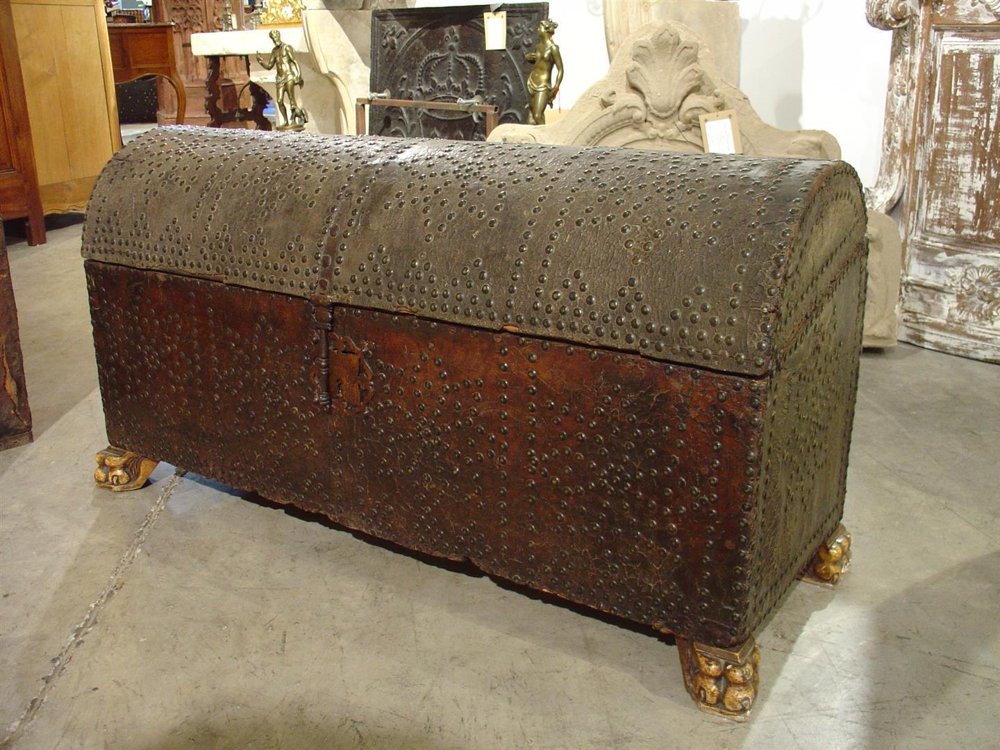 17th Century Rounded Top Leather Trunk from Spain