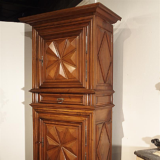 Period Louis XIII Walnut Wood Homme Debout from Bourgogne France, 17th Century