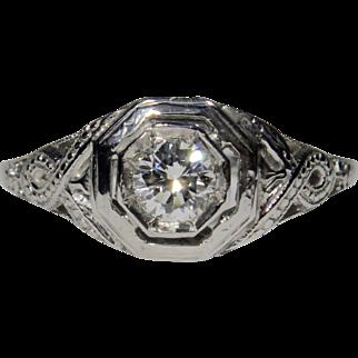 Antique Art Deco 18K White Gold Filigree 0.25 Carat Diamond Solitaire Engagement Ring