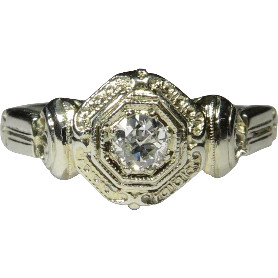 Vintage Art Deco 18K White Gold Diamond Solitaire Engagement Ring
