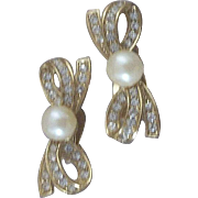 Ultra-Feminine Richelieu Simulated Pearl & Rhinestone Bow Earrings