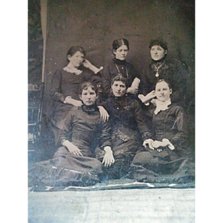 Large Half plate tintype 1880's group 6 young women affectionately posed holding hands