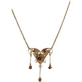 10 K Yellow Gold Vintage Filigree Pendant Necklace with 3 Dangles
