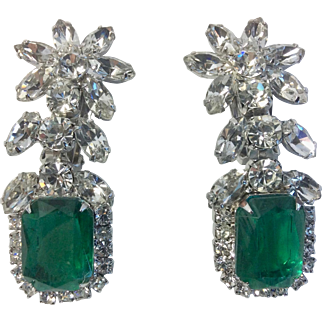 Juliana Vintage Emerald Green Glass Book Piece Earrings