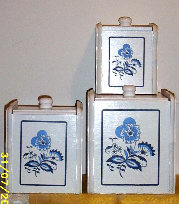 Blue Danube Design Canister Set Of Three With Plastic Liner