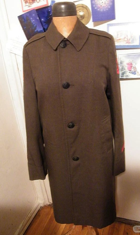 Very Vintage Marine Corp..Woman's..Full Length..Olive Green Wool..Badegs..Name Tape..Size 12