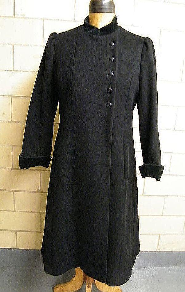 CENTRAL PARK Black Princess Style Coat..Velvet Trim..1960's-70's..USA