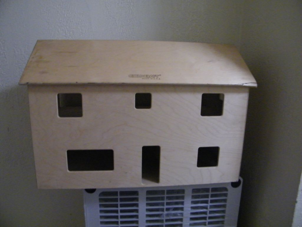 Vintage CHILDCRAFT Education  Doll House..Natural ..Blond Wood..Very Good Condition