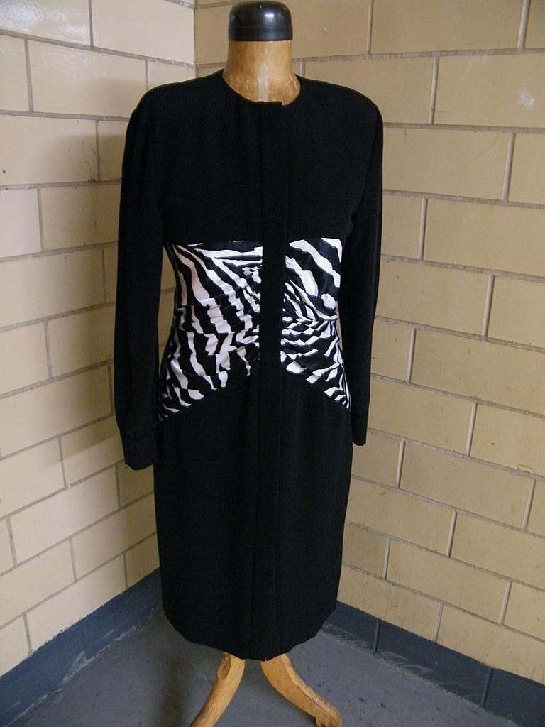 Black Crepe Fitted Dress With Satin Zebra Ruching ..Button Front..By CHETTA B For Miss Bergdorf Now..Size 12..Excellent Condition