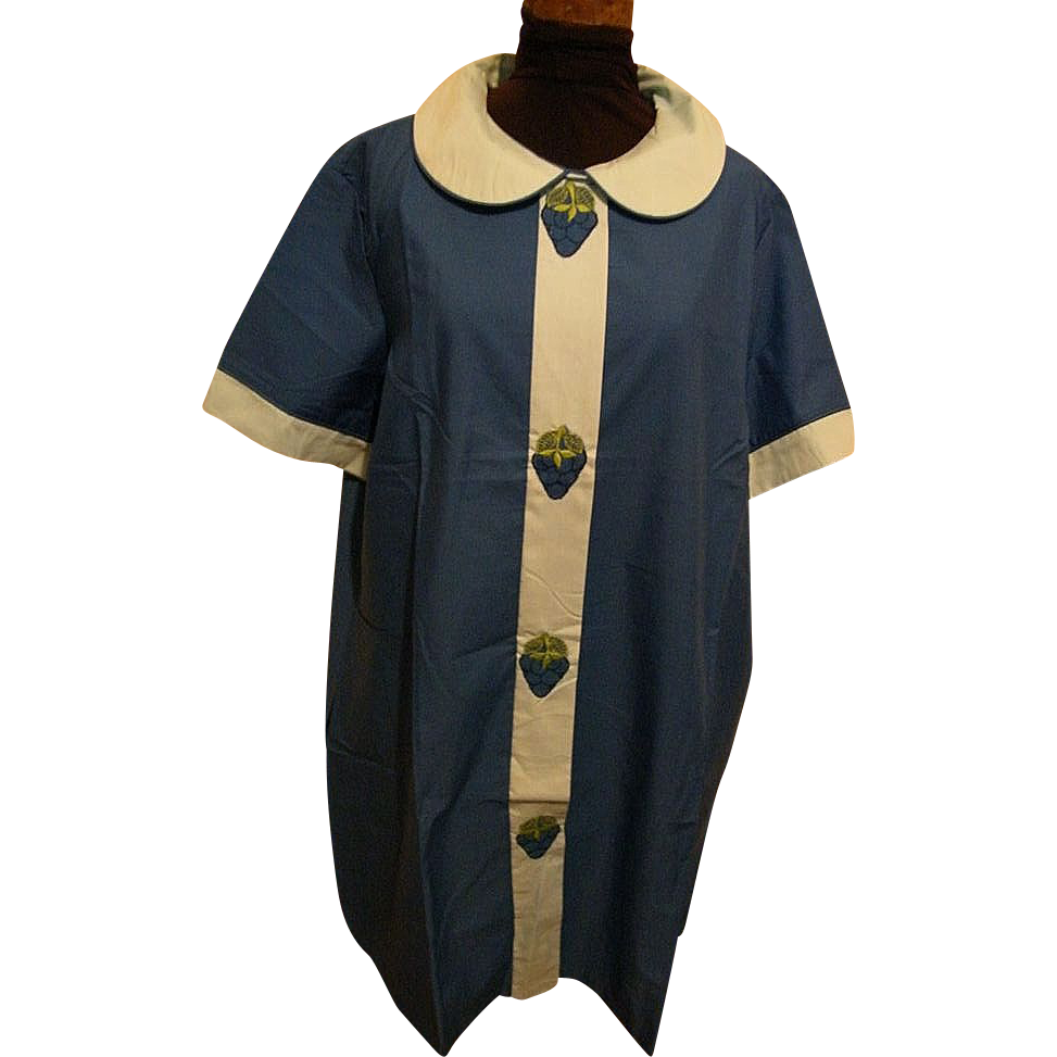 Duster..Housecoat..Loungewear..Blue Tonal With Strawberry Accents..Percale..NOS..Size 44..USA..1950's - 60's.