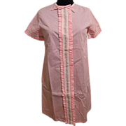 DUSTER..Housecoat..Loungewear...Pale Pink Cotton Doted Swiss / Flocked..NOS..Size S/M