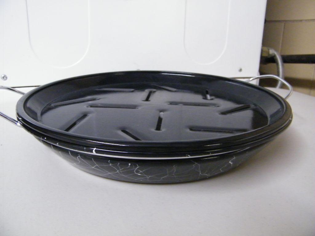 Enamelware SWIRL / Confetti.. 2-Piece Broil Pan..Black With White Swirl..1950's..NOS
