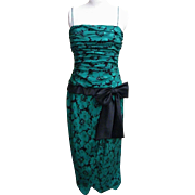 Oscar De La Renta Green / Black Floral Printed Silk Gown..Size 12..Hong Kong..Excellent Condition