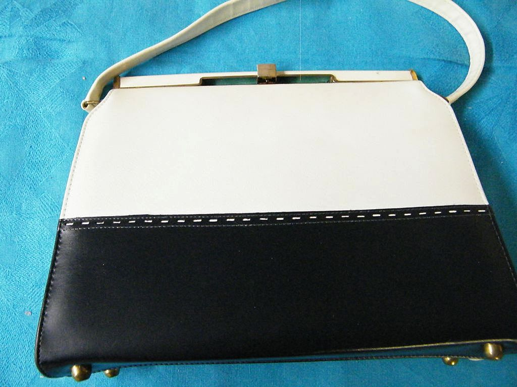 Mid-Century Naturalizer Navy / Off White Spectator Handbag..Very Good Condition