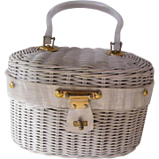 Handbag Bt ARTHUR..White Wicker..Box Style..Lucite Trim..Cotton Print Lined..Hong Kong..Excellent Condition.