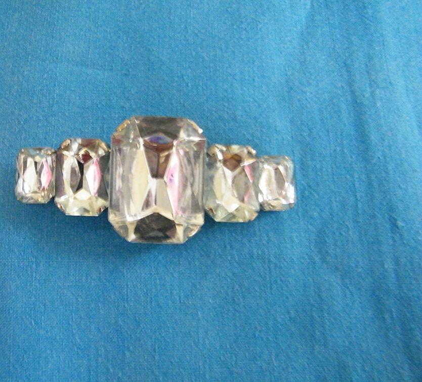 D&E Long & Chunky Bar Pin..Palest Aqua Lucite Stones..Excellent Condition.