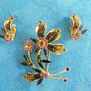 Demi Parure..Floral Spray..Rhinestone & Metal Pin / Brooch & Earring Set..Excellent Condition..Un-Signed