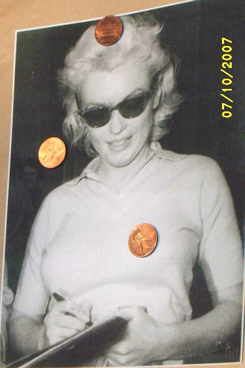 Item ID: MARILYN MONROE PHOTOS-2275 In Shop Backroom