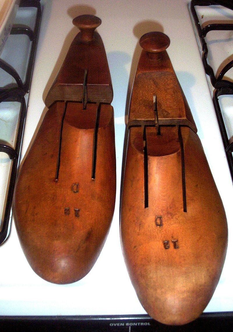 Mens Vintage Maple Shoe Stretchers/Forms Size 12 D