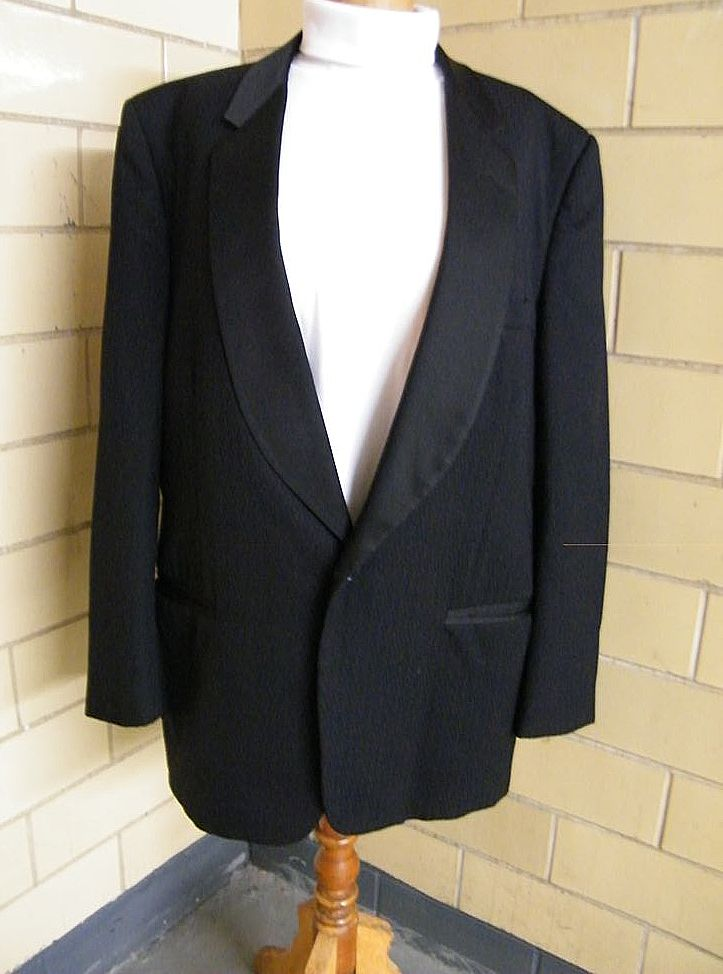 Pierre Cardin Men's Tuxedo Jacket..Black..Unique Diamond Dobby Weave..Shawl Satin Collar..1960's-70's..Size 48L