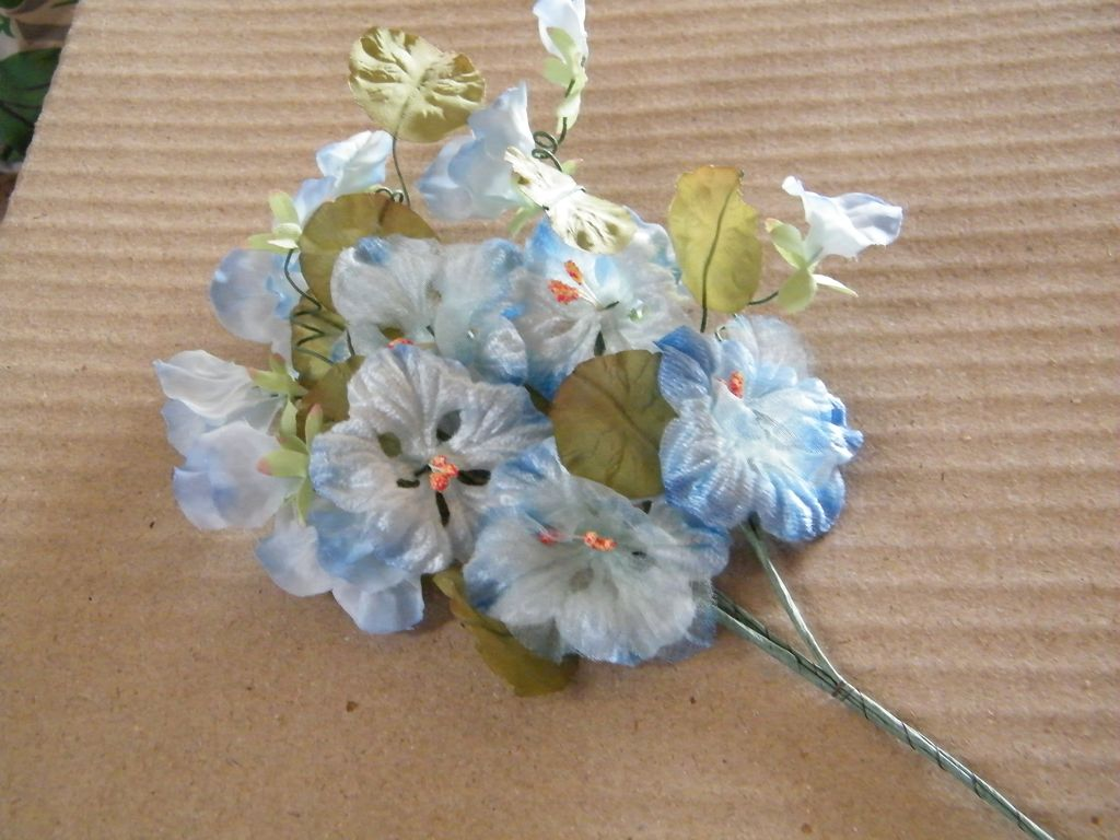 Very Vintage..Shaded Blue Velvet  Nasturtium Spray..Long Stemmed..Japan