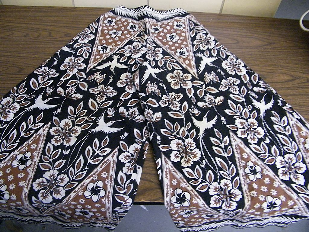1960's RUTH CLARIDGE Jamaica..Palazzo Set..Brown / Black Geometric Floral Wood Block Hand Print..Cotton..Outstanding!